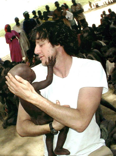 aaron_and_baby_Sudan03_thumb