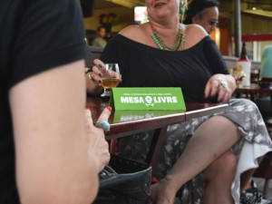 Intervention in Brazil encourages people to share a table