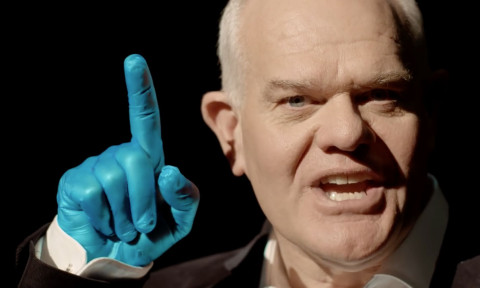 Mark Hadlow supporting Blue September with the Blue Finger for the Prostate Check