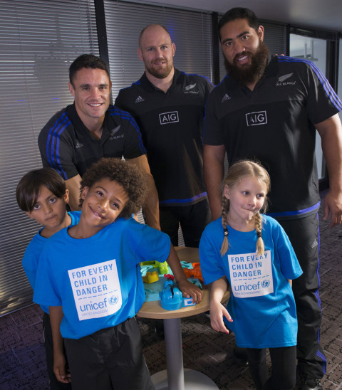 England Footballers and New Zealand All Blacks team up to test their skills against children for Unicef